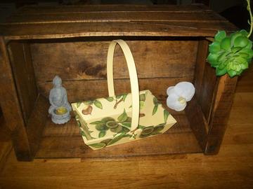 Vente au détail: panier en bois châtaignier