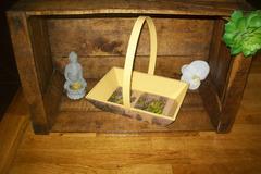 Vente au détail: panier en bois fleurs violette