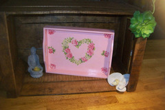 Vente au détail: plateau déjeuner coeur rose