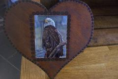 Vente au détail: coeur en bois aigle 3D