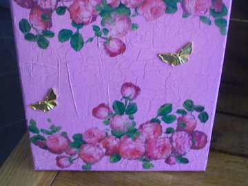 Vente au détail: tableau roses et papillons doré