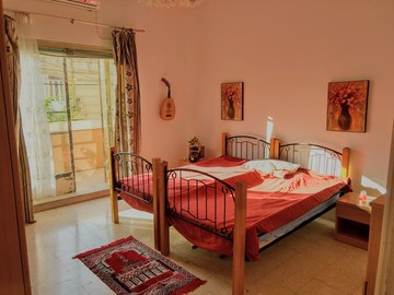 Rooms for rent: Room w/ private balcony,beautiful villa w/ garden St Julians