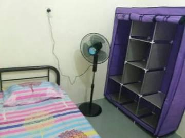 For rent: Non-Smoking Unit at SS7, Kelana Jaya with High Speed WI-FI