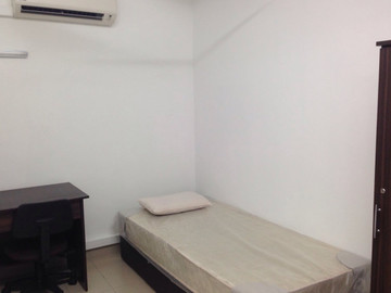 For rent: Fully Furnished Room at SS20 @ Damansara Kim with WIFI