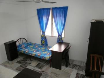 For rent: Available Room at SS23 @ Taman SEA, Petaling Jaya with WIFI