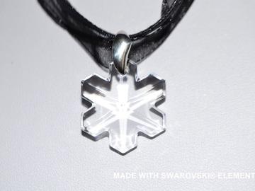 Vente au détail: SWAROVSKI Pendentif cristal flocon  / argent 925 / sans cordon