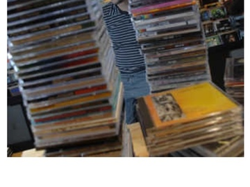 Buy Now: 200 Mixed Genre CD Lot  Our Best Selling CD Lot