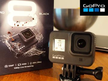 Hyr ut (per day): Uusi GoPro 8 kypäräkamera + 128 Gb muistikortti
