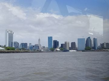 Offering with online payment: Private City Tour Buenos Aires + Navigation