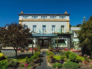 Accommodation Per Night: 4 Star St. Helier Hotel - Twin