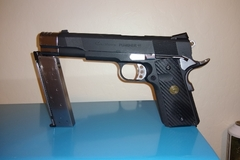 Selling: Socom 1911 punisher with one mag