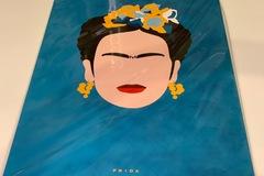 Vente au détail: Affiche FRIDA KAHLO bleu canard et jaune