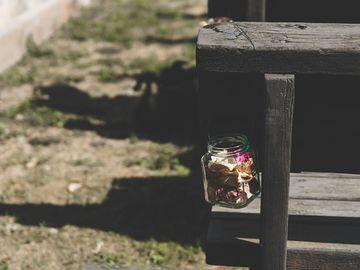 Ilmoitus: Rautalangallisia lasipurkkeja