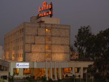 Daily Rentals: Ankleshwar, Gujarat, India Parking Available.