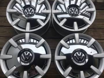 "Selling: OEM vw beetle 18"" disk wheels"