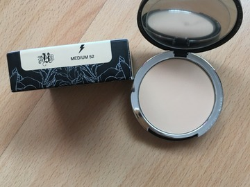 Venta: Base de maquillaje en polvo - Kat Von D Medium 52