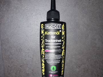 Myydään: Sealed bottle of Muc-off bicycle chain oil