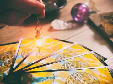 Selling: Tarot/psychic reading for  any issue