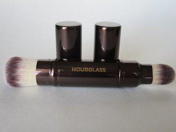 Venta: Brocha doble punta retráctil Hourglass