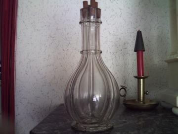 Vente: Ancienne bouteille en verre soufflé, 4 compartiments.