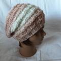 Vente au détail:  bonnet souple à porter retombant ou classique avec un revers