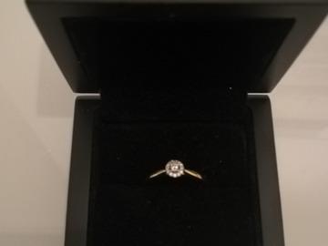 Ilmoitus: Käyttämätön keltakultainen timanttisormus