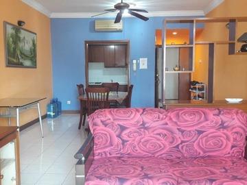 For rent: Small room Bistari Condo