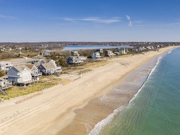 Daily Rentals: Charlestown RI, Charlestown Beach Daily Parking
