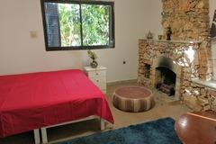 Rooms for rent: Room w/ fireplace ,beautiful villa w/ garden St Julians