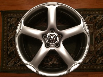 Selling: VW Karthoum Wheel Set - 18X8