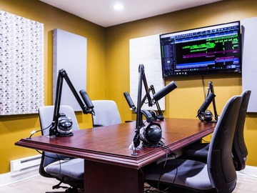 Rent Podcast Studio: Audiohive Podcasting Studio in Joliet, IL!