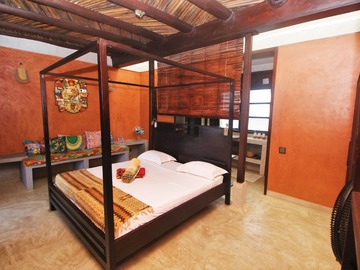 Renting out with online payment: The Mawuena Room - Maison Bleue, Lome -TOGO
