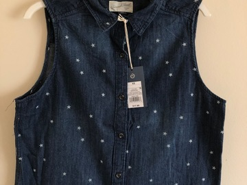 Make An Offer: Universal Thread Women's Sleeveless Denim Shirt, Dark Wash XS