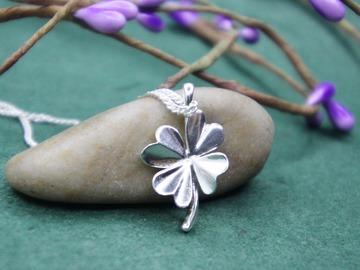 : four leaf clover pendant