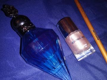 Venta: Perfume Katy Perry + Esmalte + Eye Liner Pencil