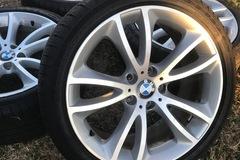 Selling: Bmw wheels oem