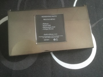 Venta: Vendo highlighting palette SLEEK