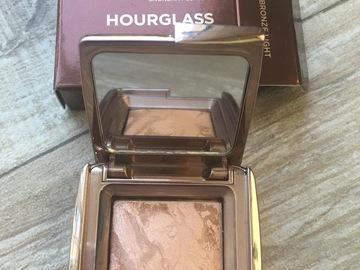 Venta: Bronzer Hourglas minitalla y regalo labial