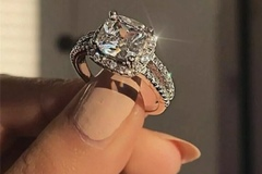 Buy Now: 3.00Ct Cushion Cut Diamond VVS1 Halo Beautiful Engagement Ring 14