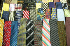 Make An Offer: 300 New Men's Ties! - Many Major Brands!