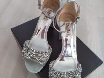 Ilmoitus: Badgley Mischka Hines block heel kengät, US 9/EU 39.5