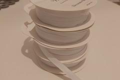 Ilmoitus: Valkoinen nauha 4 rullaa