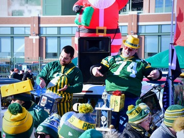 Free Events: Packer Playoff Tailgate at Lambeau!!! Jan 12 at 1:30pm