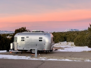 Trailer Sales: 2018 Airstream Flying Cloud 19cb