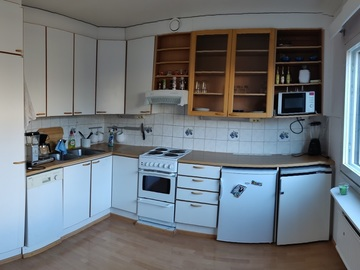 Renting out: Two room, unfurnished apartment
