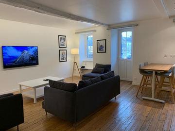 Location par mois: Appartement F3 - Barneville Bourg (90m²)