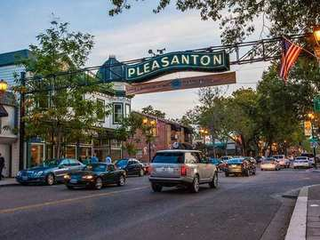 Daily Rentals: Pleasanton CA, Parking space In a Great Neighborhood.