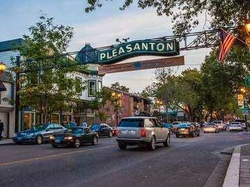 Daily Rentals: Pleasanton CA, Parking space In a Great Neighborhood.