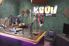 Rent Podcast Studio: KCOH-TV Studios Podcasting Suite