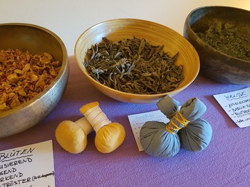 Workshop Angebot (Termine): Kräuterstempel Massage Kurs